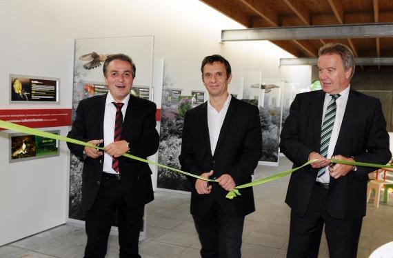 v.l.n.r.: Akademieleiter Claus-Peter Hutter, Wilhemachef Thomas Kölpin, Umweltminister Franz Untersteller