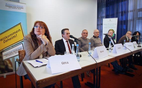 v.l.n.r.: Karin Götz, Claus-Peter Hutter, Reinhard Schäfer, Lothar Neumann, Oliver Schuhmacher, Andreas Braun und Heike Gfrereis  (Foto: Dominik Thewes)