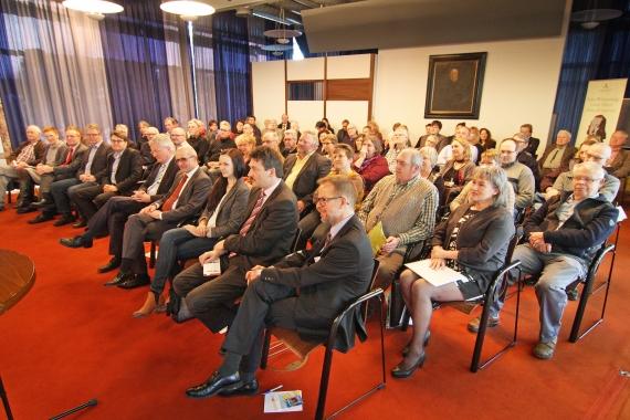 Großes Interesse beim Symposium (Foto: Dominik Thewes)